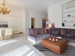 Spacious Porta Vittoria Luxury San Babila apartment in Porta Vittoria with WiFi,