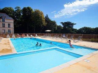 Bel Appart pour 5 pers dans un Chateau renove ! Acces piscine