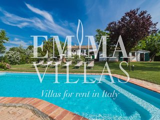 Casal Baroni 8 sleeps, Emma Villas Exclusive