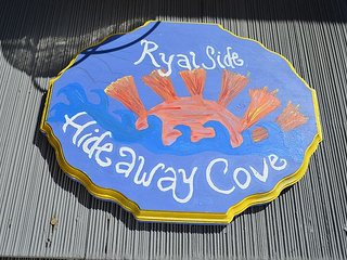 Ryal Side Hideaway Cove: A hidden gem with river views in Beverly.