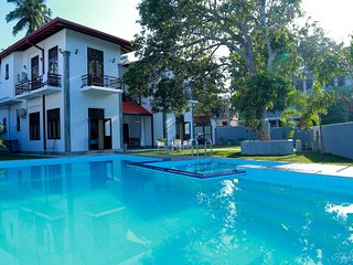 Hikka Nilora Spacious 6BR Private Villa with Pool