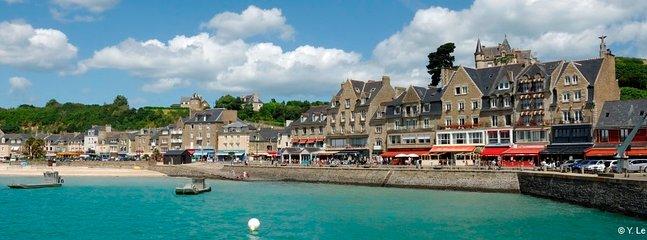 Port - Commerces -Restaurants - Bars - Boutiques