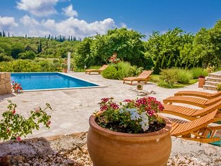 Holiday villa with pool for rent village Mocici Dubrovnik