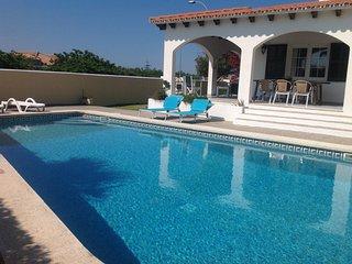Chalet/ Villa con piscina privada cerca de la playa en Menorca