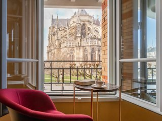 Les 7 Anges, Appartement d'exception, vue Cathedrale de Reims - parking,terrasse