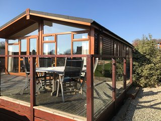 Lovely 3 bed lodge sleeping 6, close to the water in Newton Ferrers, South Devon