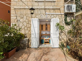 Apartments Green Harmony - Studio Apartment with Terrace and Shared Swimming