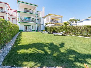Quinta do Lago Apartment Sleeps 4 with Pool Air Con and WiFi - 5774092