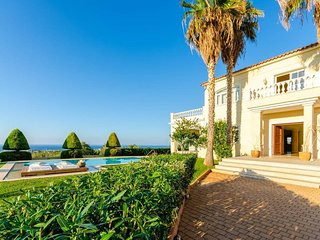 Top Luxury Villa with Amazing Garden & Sea Views
