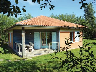 Nice home in LE FUILET w/ 2 Bedrooms and WiFi