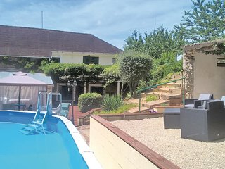 Awesome home in La Coquille w/ WiFi and 2 Bedrooms (FAD156)