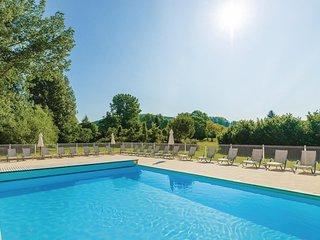 Stunning home in Montignac w/ 2 Bedrooms