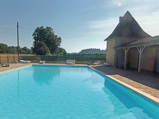 Awesome home in Limeuil w/ Outdoor swimming pool and 1 Bedrooms