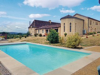 Stunning home in Limeuil w/ WiFi, Outdoor swimming pool and 6 Bedrooms (FAD296)