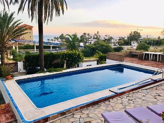 4 bed villa near Estepona with private garden and pool