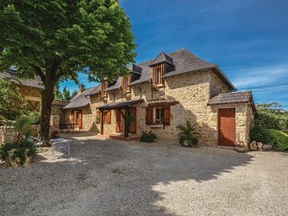 Nice home in Terrasspn-Lavilledieu w/ Outdoor swimming pool and 3 Bedrooms