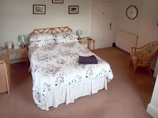 Alcott Farm Bed and Breakfast Pink Room