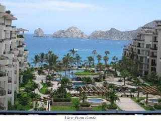 """Splendida vista sulla piscina, sulla spiaggia di Medano e sulla famosa formazione rocciosa """"El Arco"""""""