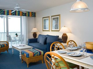 BEACH STAY! FANTASTIC 2BR APARTMENT, POOL, BREAKFAST FOR 2