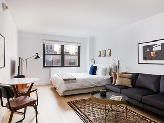 Deluxe Studio in Midtown East by Sonder