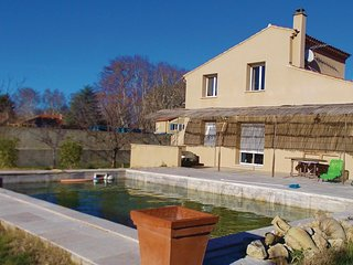 Nice home in Loriol du Comtat w/ WiFi and 3 Bedrooms