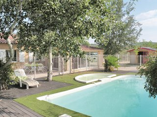 Awesome home in Rousson w/ Outdoor swimming pool and 4 Bedrooms
