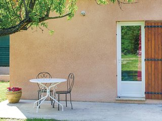 Amazing home in Carpentras w/ WiFi and 1 Bedrooms