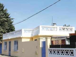 Awesome home in Avignon w/ WiFi and 2 Bedrooms
