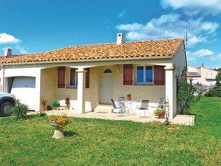 Beautiful home in Pignan w/ 3 Bedrooms