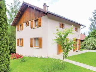 Stunning home in Gerardmer w/ 5 Bedrooms