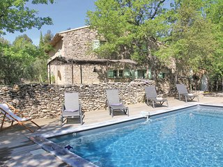 Awesome home in Lacoste w/ WiFi and 4 Bedrooms