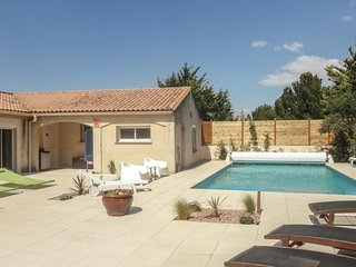 Nice home in Nebian w/ WiFi, Outdoor swimming pool and 2 Bedrooms