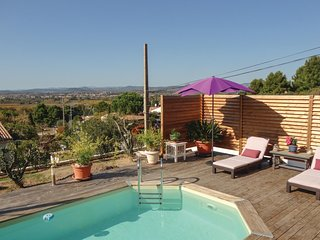 Amazing home in Campagnan w/ WiFi, Outdoor swimming pool and 3 Bedrooms