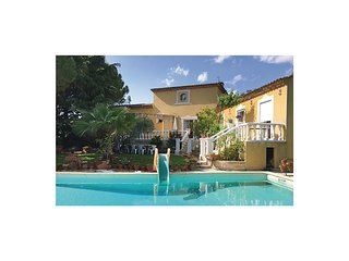 Nice home in Baillargues w/ WiFi and 3 Bedrooms