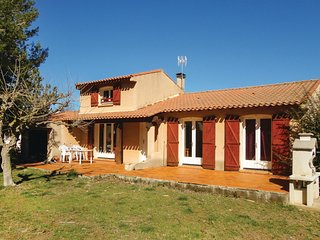Awesome home in Pinet w/ 3 Bedrooms