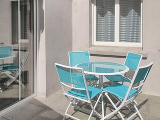 Awesome home in Beziers w/ WiFi and 3 Bedrooms