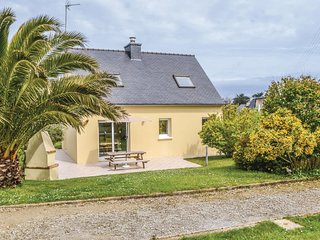 Stunning home in Plouguerneau w/ 3 Bedrooms and WiFi