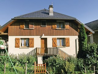 Beautiful home in Faverges w/ 2 Bedrooms and WiFi