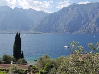 The Sisters' House Lake Garda