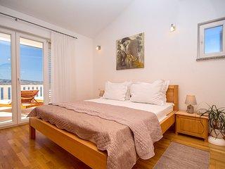 Kotisina Villa Sleeps 14 with Pool and Air Con - 5772794