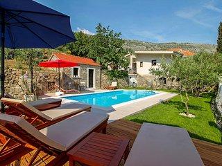 4 bedroom Villa in Visak, Splitsko-Dalmatinska Zupanija, Croatia - 5772799
