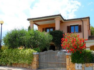 San Teodoro Villa close to la Cinta beach and CityCenter