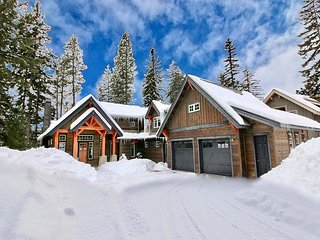 'Be R Guest' - New Golf Course Stunner! Heart of Suncadia | Hot Tub | WiFi