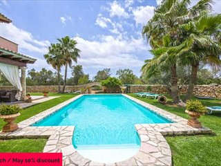 CAMI S'ESTANYOL- Rustic villa with large pool and 15,000m2 of land. 6 Bedrooms 1