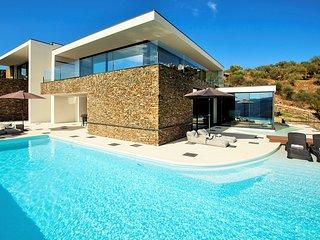 Casal de Loivos Villa Sleeps 8 with Pool and Air Con - 5774264