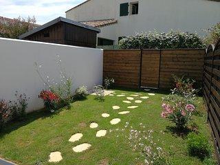 La Petite Rose Trémière - Jardinet privatif