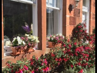 Old Abbey Cottage, North Berwick, holiday rental in North Berwick
