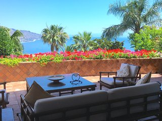 VILLA LOU PANORAMIC APARTMENT TAORMINA  Sea View Pool Terrace
