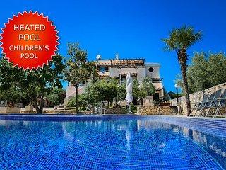 Ferienwohnung Lantana mit Pool