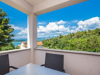 New modern apartment - private balcony. sea view, parking, grill, beach nearby
